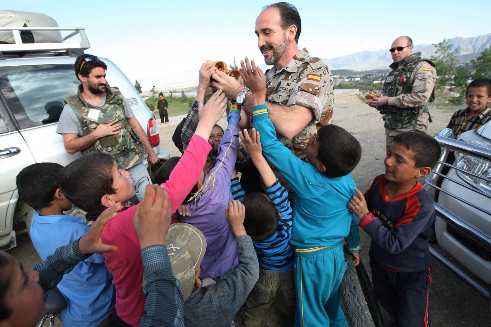 Un recorrido por Kabul junto a las tropas españolas