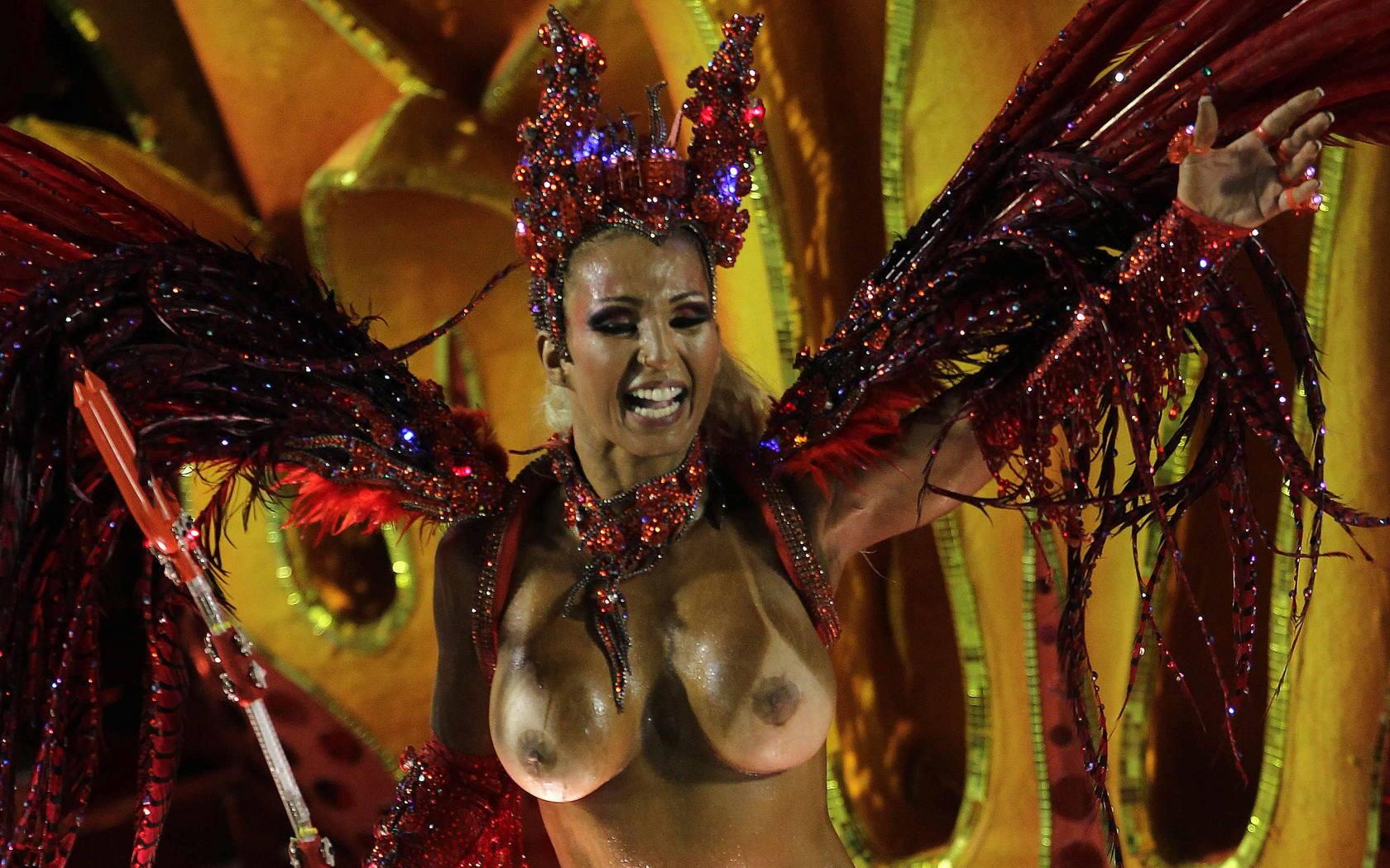 nepristoyniy-karnaval-porno