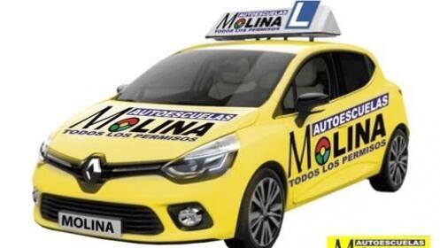 Sácate el carné este verano en Autoescuelas Molina
