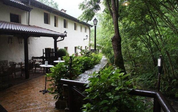 Asturias: 1 ó 2 noches en AD para 2