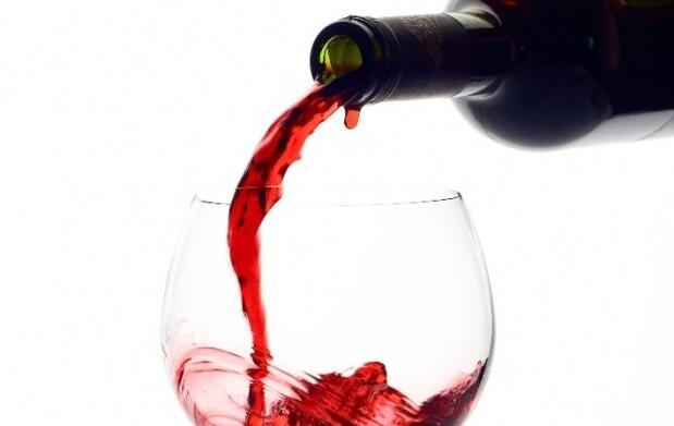 Visita a la bodega Pérez Hidalgo, cata de 3 vinos y aperitivo