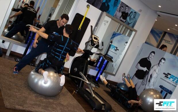 4 o 6 sesiones de electroestimulación muscular E-Fit con entrenador personal