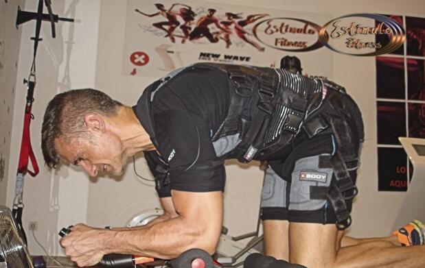4 o 6 sesiones de electroestimulación, entrenador personal y dieta