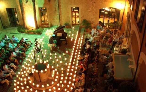 Concierto 1 piano y 200 velas