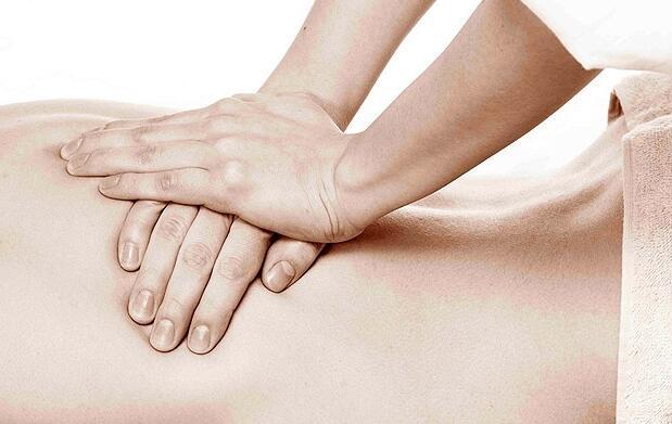 ¿Dolor de espalda? Masaje terapéutico, deportivo o relajante