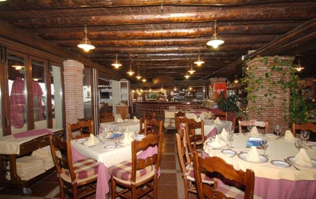 Menú para 2 en La Pesquera e invitaciones SUR para Starlite