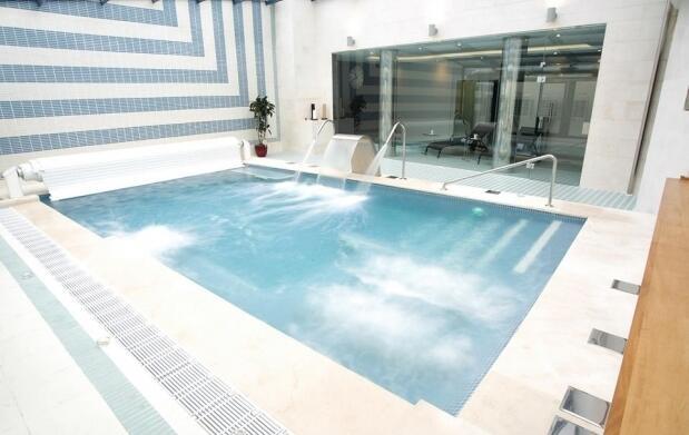 Habitación doble + spa + desayuno 49€