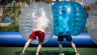 Partida de Fútbol Burbuja Bubble Soccer para niños