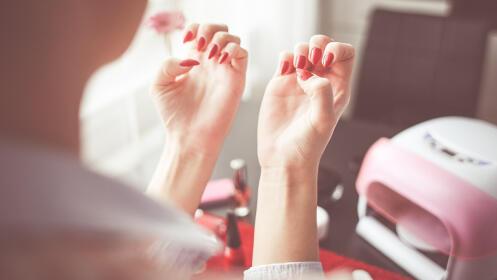 Esmaltado permanente manos y pies por 11.95€