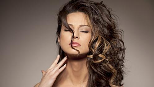 Sesión completa de peluquería para mujer con opción a tinte