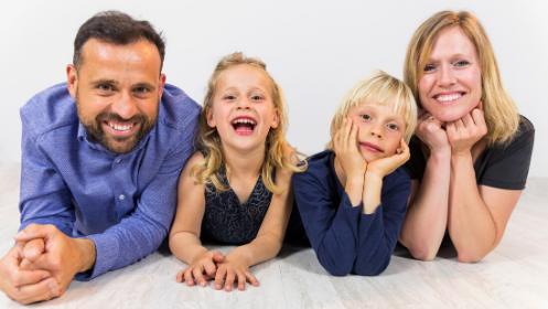 Sesión fotográfica de estudio familiar por 40€